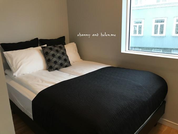 blue-luxury-apartment_28381009629_o