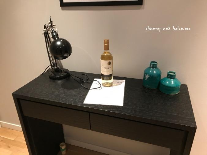 blue-luxury-apartment_40128642392_o