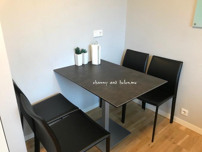 blue-luxury-apartment_40161278851_o